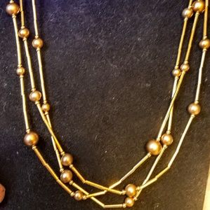 Jewelry - Vintage gold tone necklace